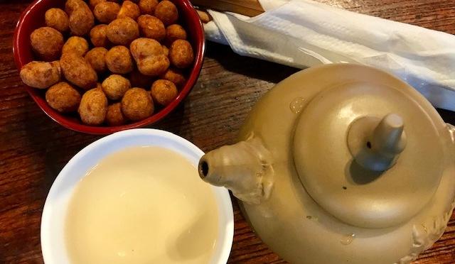 The Tao of Tea – Inside Lan Su Garden